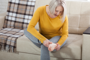 woman with pain in feet